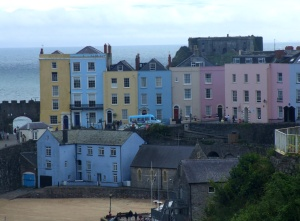 Tenby harbour houses 18c 12