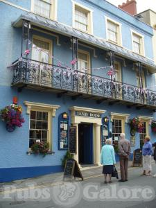 Tenby House Hotel and Paxtons Bar