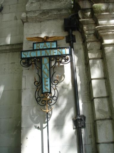 St Clement Danes