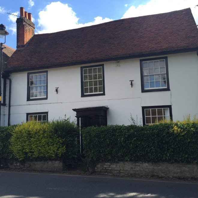 House with similar features to Rectory - c2016 Tony Grant